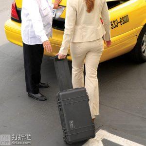 金盒特价 热销高好评 PELICAN 派力肯 塘鹅 1510 安全防护箱 可登机中型拉杆箱 含标准海绵 5.2折$142.46 两色可选 海淘转运到手约¥1450 中亚Prime会员可免运费直邮到手约¥1209